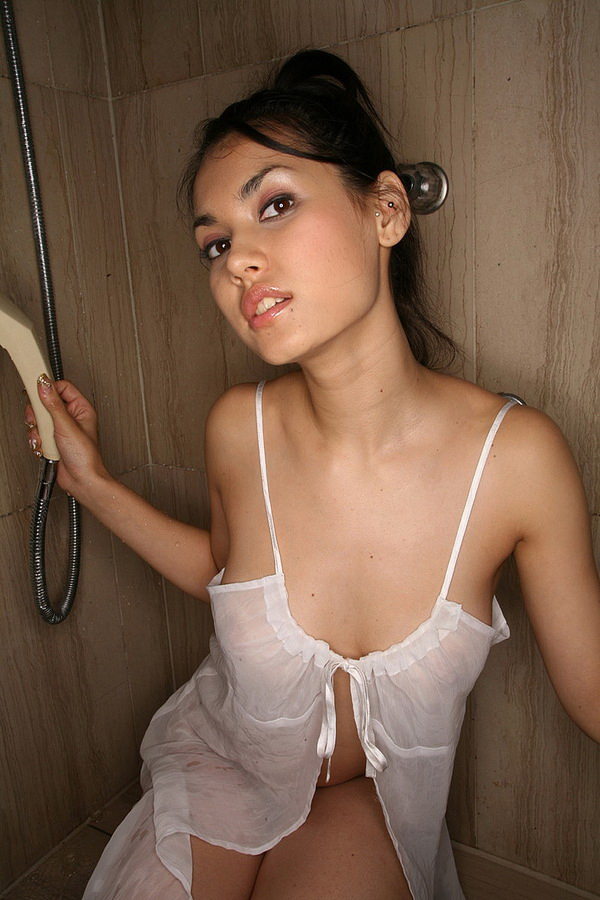 Japanese adult video actress Maria Ozawa at JSexNetwork.com